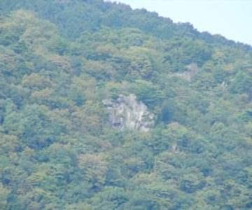 展望所から焼山 一枚岩