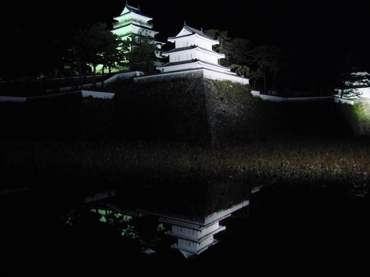 夜の島原城