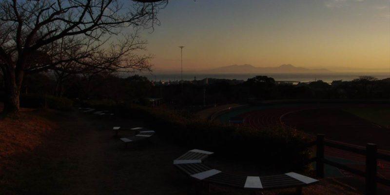 島原陸上競技場と朝焼け
