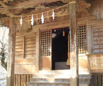 烏兎神社の拝殿