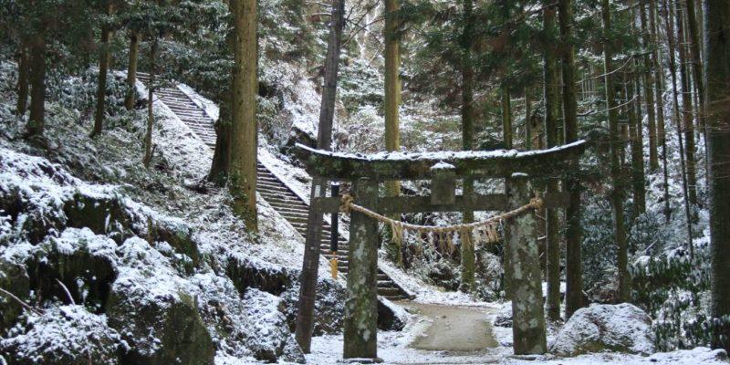 岩戸神社 鳥居と階段