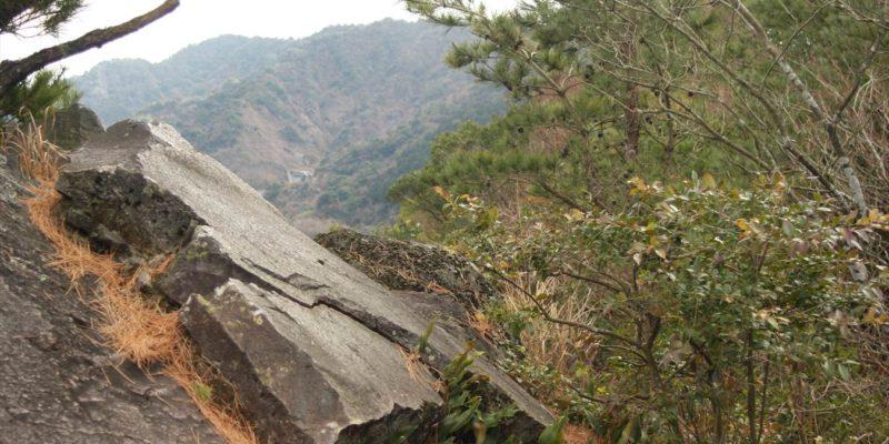 焼山遊歩道 一枚岩