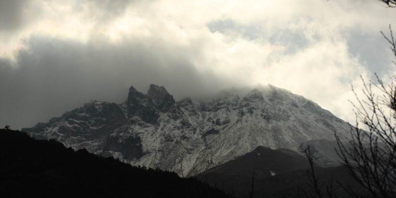 雪の平成新山