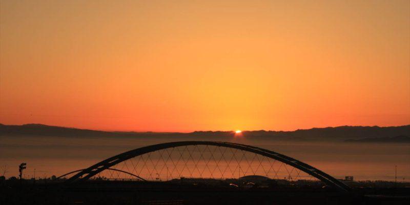 吉祥白天橋より朝焼け