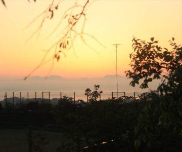 野球場 朝焼け