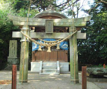 諏訪神社 英霊社