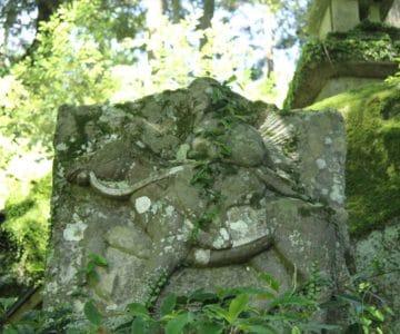 烏兎神社 神武天皇像
