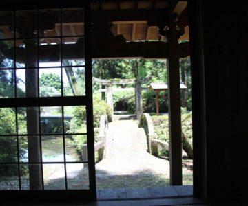 江里神社 社殿内より