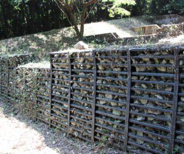 眉山の森遊歩道 日鐵鋼製自在枠