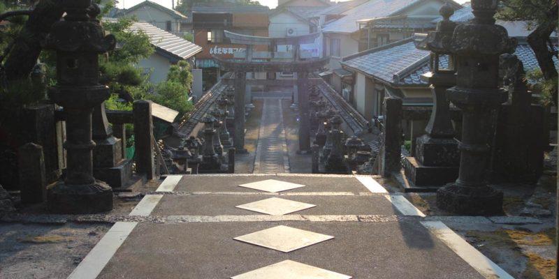八幡神社 参道