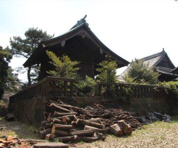 霊丘神社 本殿