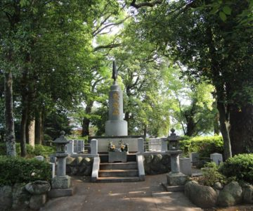 温泉神社 忠魂碑