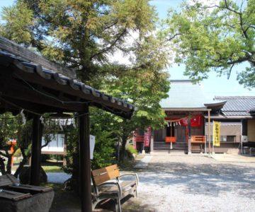 正地稲荷神社 手水舎と拝殿
