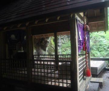 岩戸神社 拝殿