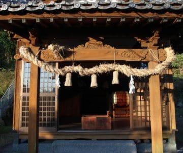 生穂神社 拝殿