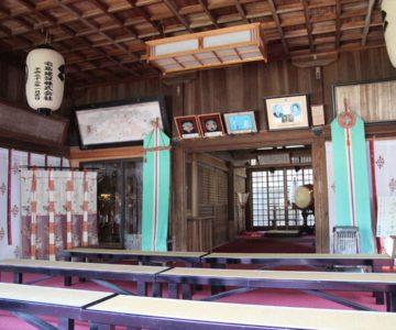 霊丘神社 拝殿