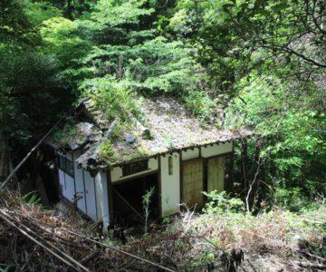鮎帰りの滝 廃屋