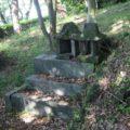 霊丘公園 石祠