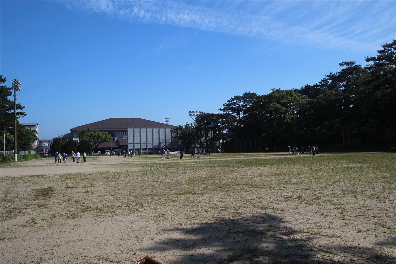 霊丘公園グラウンド