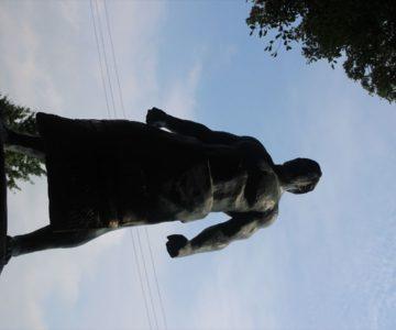 熊野神社 大関脇 鷲ケ濱音右衛門像