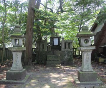 猛島神社 石祠
