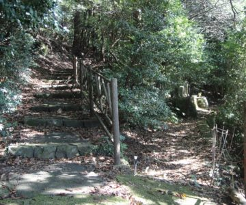 鴛鴦の池 別所ダム 開拓者の墓